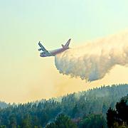 Photo: Francisco Arias / SIPA PRESS.<br />  Chili Dichato 31 Janvier 2017<br /> <br /> <br /> 747 SuperTanker prot&egrave;ge le village de Dichato<br /> <br /> Pompiers fran&ccedil;ais lutte contre les incendies dans le sud du Chili.<br /> De grands incendies ont consomm&eacute; des milliers d'hectares.  Ceci est la pire catastrophe dans l'histoire du Chili.<br /> Des milliers de maisons ont &eacute;t&eacute; br&ucirc;l&eacute;es  et des milliers de personnes laiss&eacute;es sans abri.<br /> <br /> D&eacute;tachemenet GFFF fran&ccedil;ais<br /> 70 personnes Total<br /> 41 personnes de l&acute;Unit&eacute; d&acute;Instruction et &acute;Intervention de la s&eacute;curit&eacute; Civile N&ordf;7 de Brignoles  (UIISC7)<br /> 28 persones de l&acute;Unit&eacute; d&acute;Instruction et Intervention de la s&eacute;curit&eacute; Civile N&ordm;5 ( UIISC5)<br /> 1 Sapeur pompier , sp&eacute;cialiste de s&eacute;curit&eacute; invite pour la coop&eacute;ration dans les Andes ( P&eacute;ru, Bolivie, Chili, Argentine, Equateur, Colombie)