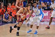 DESCRIZIONE : Campionato 2015/16 Serie A Beko Dinamo Banco di Sardegna Sassari - Umana Reyer Venezia<br /> GIOCATORE : Stefano Tonut<br /> CATEGORIA : Palleggio Controcampo<br /> SQUADRA : Umana Reyer Venezia<br /> EVENTO : LegaBasket Serie A Beko 2015/2016<br /> GARA : Dinamo Banco di Sardegna Sassari - Umana Reyer Venezia<br /> DATA : 01/11/2015<br /> SPORT : Pallacanestro <br /> AUTORE : Agenzia Ciamillo-Castoria/L.Canu