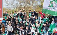 FODBOLD: Jublende Næstved-fans efter scoringen til 0-1 under kampen i NordicBet Ligaen mellem FC Helsingør og Næstved Boldklub den 12. maj 2019 på Helsingør Stadion. Foto: Claus Birch