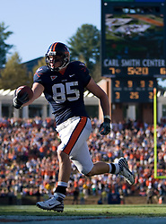 Virginia tight end John M. Phillips (85) scores a touchdown against UCONN.  The Virginia Cavaliers defeated the Connecticut Huskies 17-16 at Scott Stadium in Charlottesville, VA on October 13, 2007