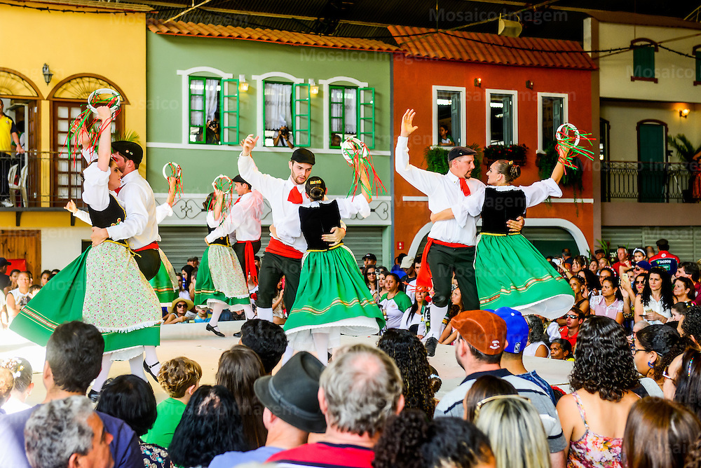 Brasil - Espirito Santo - Venda Nova do Imigrante - Apresentacao de danca italiana durante a Festa da Polenta de 2016 em Venda Nova do Imigrante<br /> Foto: Gabriel Lordello/Mosaico Imagem