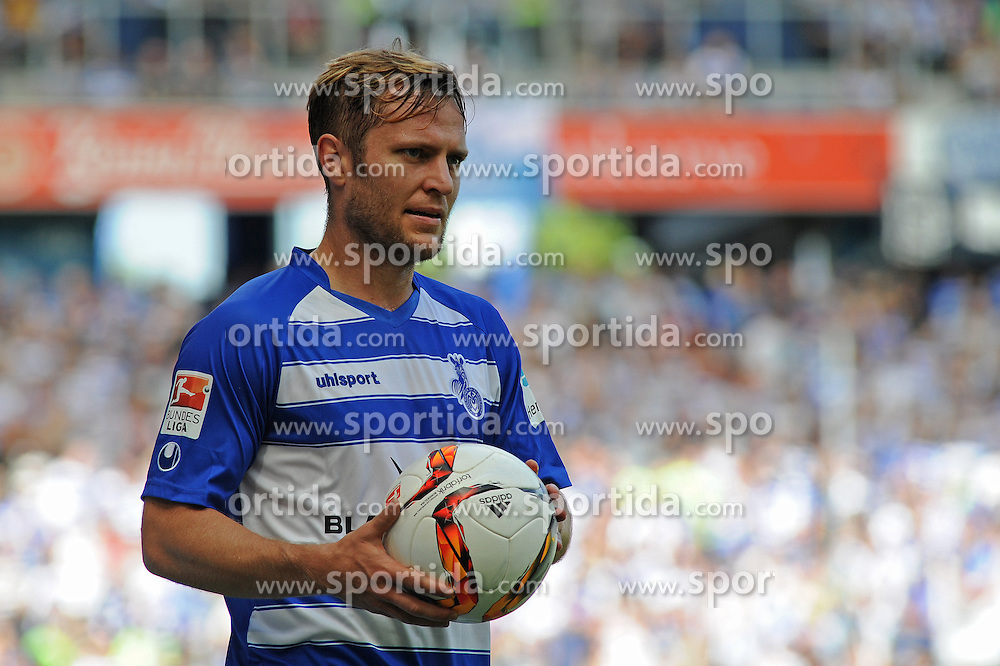 29.08.2015, Duisburg, GER, 2. FBL, MSV Duisburg vs SpVgg Greuther Fuerth, 5. Runde, im Bild Martin Dausch ( MSV Duisburg ) mit Ball // during the 2nd German Bundesliga 5th round match between MSV Duisburg and SpVgg Greuther Fuerth at the Schauinsland Reisen Arena in Duisburg, Germany on 2015/08/29. EXPA Pictures &copy; 2015, PhotoCredit: EXPA/ Eibner-Pressefoto/ Thienel<br /> <br /> *****ATTENTION - OUT of GER*****
