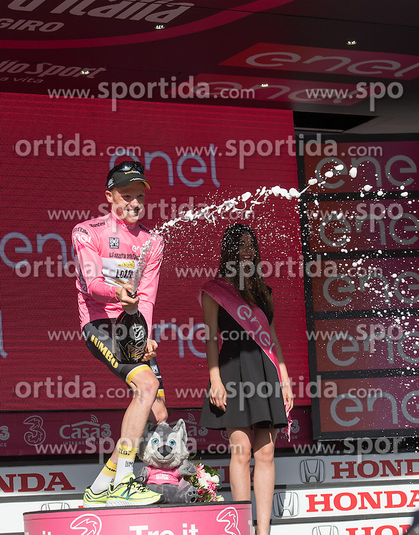 21.05.2016, Alpago nach Corvara, ITA, Giro d Italia 2016, 14. Etappe, im Bild Steven Kruijswijk (NED, Team Lotto Jumbo) // Steven Kruijswijk (NED, Team Lotto Jumbo) during 14th Stage, from Alpago to Corvara of the Giro d Italia at. in Alpago nach Corvara, Italy on 2016/05/21. EXPA Pictures © 2016, PhotoCredit: EXPA/ Reinhard Eisenbauer