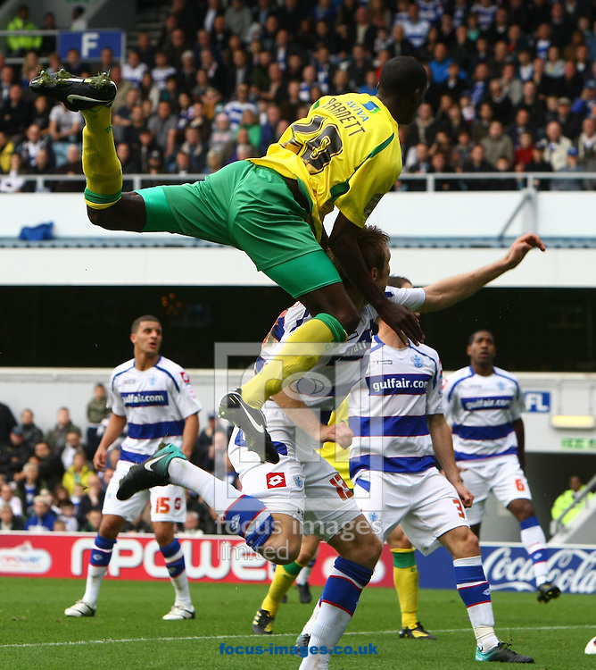 London - Saturday October 16th, 2010: Action from QPR v Norwich. Npower Championship match at Loftus Road, London. (Pic by Paul Chesterton/Focus Images)