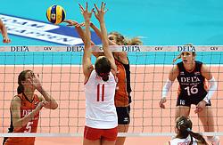 03-10-2015 NED: Volleyball European Championship Semi Final Nederland - Turkije, Rotterdam<br /> Nederland verslaat Turkije in de halve finale met ruime cijfers 3-0 / Manon Nummerdor-Flier #12