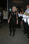 Sally Greene. Almeida 25th Anniversay Gala. Gagosian Gallery, Brittania St. Kings Cross. London. 27 January 2005. ONE TIME USE ONLY - DO NOT ARCHIVE  © Copyright Photograph by Dafydd Jones 66 Stockwell Park Rd. London SW9 0DA Tel 020 7733 0108 www.dafjones.com