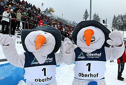 31.12.2011, DKB-Ski-ARENA, Oberhof, GER, Viessmann Tour de Ski 2011, FIS Langlauf Weltcup, Verfolgung Damen, im Bild Schneemänner/ Maskottchen der Weltcups Oberhof winken vor vollen Rängen // during pursuit Women of Viessmann Tour de Ski 2011 FIS World Cup Cross Country at DKB-SKI-Arena Oberhof, Germany on 2011/12/31. EXPA Pictures © 2011, PhotoCredit: EXPA/ nph/ Hessland..***** ATTENTION - OUT OF GER, CRO *****