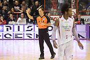 DESCRIZIONE : Pistoia Lega serie A 2013/14 Giorgio Tesi Group Pistoia Acea Roma<br /> GIOCATORE : Arbitro<br /> CATEGORIA : Arbitro Mani<br /> SQUADRA : Arbitro<br /> EVENTO : Campionato Lega Serie A 2013-2014<br /> GARA : Giorgio Tesi Group Pistoia Acea Roma<br /> DATA : 29/12/2013<br /> SPORT : Pallacanestro<br /> AUTORE : Agenzia Ciamillo-Castoria/GiulioCiamillo<br /> Galleria : Lega Seria A 2013-2014<br /> Fotonotizia : Pistoia Lega serie A 2013/14 Giorgio Tesi Group Pistoia Acea Roma<br /> Predefinita :