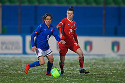 CESENA, ITALY - Tuesday, January 22, 2019: Italy's Daniela Sabatino (L) and Wales' Hayley Ladd during the International Friendly between Italy and Wales at the Stadio Dino Manuzzi. (Pic by David Rawcliffe/Propaganda)