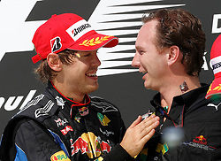 Motorsports / Formula 1: World Championship 2010, GP of Brazil, 05 Sebastian Vettel (GER, Red Bull Racing),  Christian Horner (GBR, Teamchef Red Bull Racing),