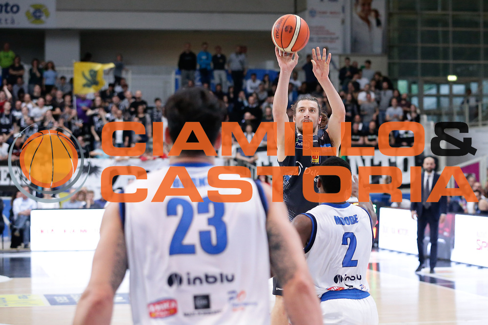 Andres Pablo Forray<br /> Dolomiti Energia Aquila Basket Trento - Germani Basket Brescia Leonessa<br /> Lega Basket Serie A 2016/2017<br /> PalaTrento, 23/04/2017<br /> Foto Ciamillo-Castoria / M. Brondi