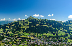 THEMENBILD - Die Stadt Kitzbühel mit dem bergpanorama des Kitzbüheler Horn, aufgenommen am 26. Juni 2017, Kitzbühel, Österreich // The town of Kitzbühel with the mountain panorama of the Kitzbüheler Horn at the Streif, Kitzbühel, Austria on 2017/06/26. EXPA Pictures © 2017, PhotoCredit: EXPA/ Stefan Adelsberger
