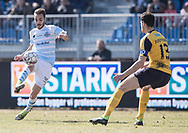 FODBOLD: Felipe Tontini (FC Helsingør) udfordrer Mads Justesen (Hobro IK) under kampen i ALKA Superligaen mellem FC Helsingør og Hobro IK den 8. april 2018 på Helsingør Stadion. Foto: Claus Birch.