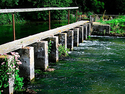 UK ENGLAND HAMPSHIRE STOCKBRIDGE 12AUG06 - General view of the river Test in Hampshire...jre/Photo by Jiri Rezac..© Jiri Rezac 2006..Contact: +44 (0) 7050 110 417.Mobile:  +44 (0) 7801 337 683.Office:  +44 (0) 20 8968 9635..Email:   jiri@jirirezac.com.Web:    www.jirirezac.com..© All images Jiri Rezac 2006 - All rights reserved.