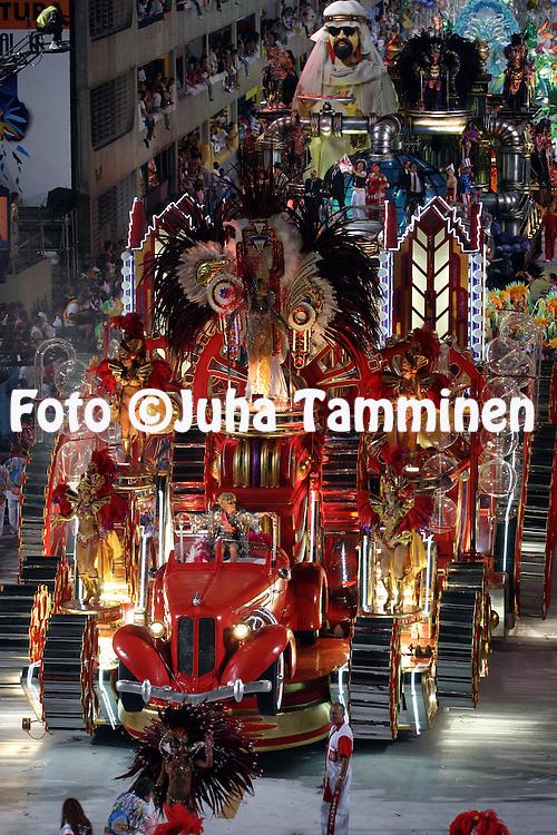 28.02.2004, Samb?dromo, Rio de Janeiro, Brazil..Carnaval 2004 - Desfile das Escolas de Samba, Grupo Especial, Desfile das Campe?s / Carnival 2004 - Parades of the Samba Schools, Champion schools parades..Desfile de / Parade of:  GRES Acadmicos do Salgueiro.©Juha Tamminen.