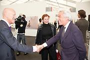 LORD FOSTER; LADY FOSTER; GIANCARLO GIACOMETTI, opening of the 2010 Frieze art fair. Regent's Park. London. 13 October 2010. -DO NOT ARCHIVE-© Copyright Photograph by Dafydd Jones. 248 Clapham Rd. London SW9 0PZ. Tel 0207 820 0771. www.dafjones.com.