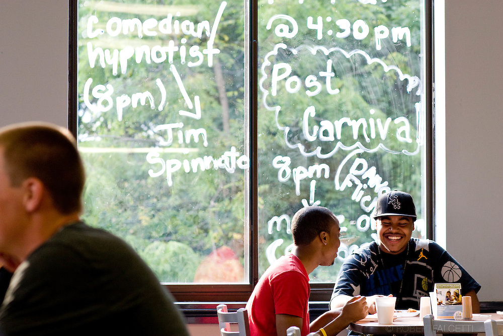 Post University dining hall opens and orientations weekend activities Monday Sept. 7, 2009 . .©2009 Robert Falcetti Studio