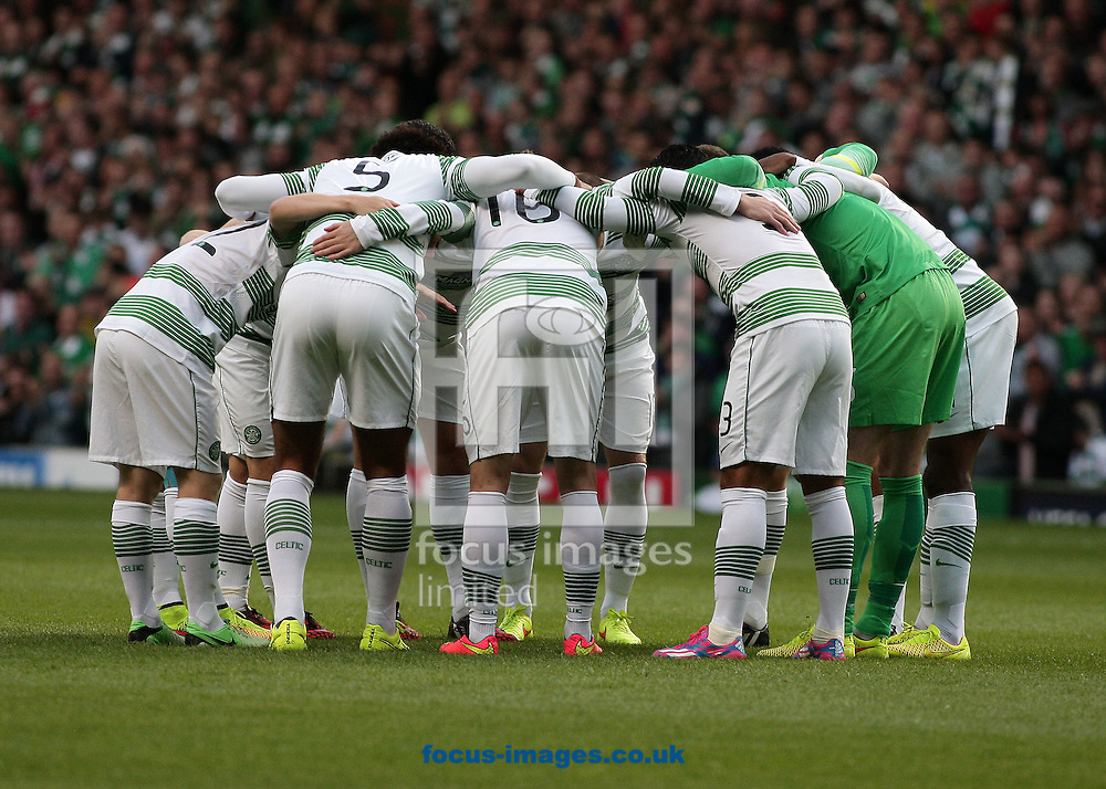 The Celtic huddle during the UEFA Champions League  Qualifier Play Off Second Leg match at Celtic Park, Glasgow<br /> Picture by Ian Buchan/Focus Images Ltd +44 7895 982640<br /> 26/08/2014