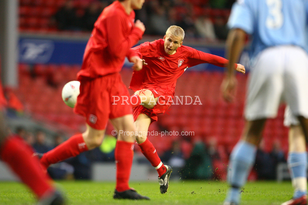 LIVERPOOL, ENGLAND - SUNDAY, APRIL 9th, 2006: Liverpool's Robbie Threlfall in action against Manchester City during the FA Youth Cup Final 1st Leg match at Anfield. (Pic by David Rawcliffe/Propaganda)