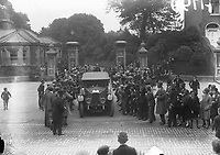 H799<br /> <br /> Bremen Flight 1928.<br /> <br /> Crowds of people stand beside a car.<br /> <br /> (The first east-west non-stop transatlantic flight, in April 1928, from Baldonnel, Ireland to Greenly Island, Canada, in a Junkers W 33 monoplane, the &quot;Bremen&quot;. Crew of the Bremen: Pilot Capt. Herman K&ouml;hl, Navigator Col. Major James Fitzmaurice and Baron Ehrenfried G&uuml;nther Freiherr von H&uuml;nefeld, Owner of the plane).<br /> <br /> (Part of the Independent Newspapers Ireland/NLI Collection)