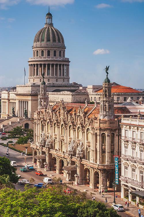 View over the Hotel Inglaterra to El Capitol in Havana