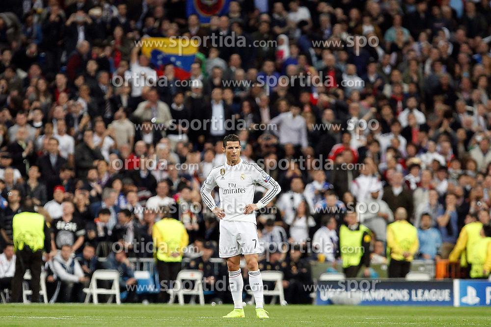 10.03.2015, Estadio Santiago Bernabeu, Madrid, ESP, UEFA CL, Real Madrid vs Schalke 04, Achtelfinal, R&uuml;ckspiel, im Bild Real Madrid's Cristiano Ronaldo // during the UEFA Champions League Round of 16, 2nd Leg match between Real Madrid and Schakke 04 at the Estadio Santiago Bernabeu in Madrid, Spain on 2015/03/10. EXPA Pictures &copy; 2015, PhotoCredit: EXPA/ Alterphotos/ Caro Marin<br /> <br /> *****ATTENTION - OUT of ESP, SUI*****