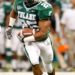 November 10, 2011; New Orleans, LA, USA; Tulane Green Wave running back Albert Williams (25) against the Houston Cougars during the second half at the Mercedes-Benz Superdome.  Houston defeated Tulane 73-17. Mandatory Credit: Derick E. Hingle-US PRESSWIRE