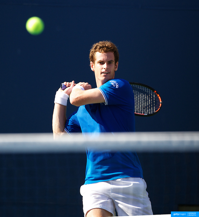 Andy Murray, Great Britain, in action against Paul Capdeville, Chile, during the US Open Tennis Tournament at Flushing Meadows, New York, USA, on Friday  September 4, 2009. Photo Tim Clayton.