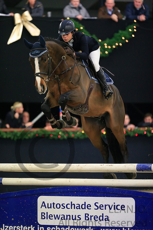 Manon Hees - Ideaal<br /> KNHS/KWPN GMB Hengstencompetitie Roosendaal 2012<br /> © DigiShots