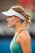 Canadian Eugenie Bouchard withstead the Australian summer heat and fierce pressure from her Australian Open day 3 opponent Virginie Razzano (FRA) to win her match 6-2, 7 (12) -6 (10).