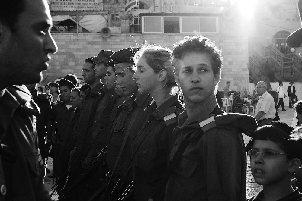 Soldiers at their end of training ceremony taking place during the war with Hezbollah, Jerusalem, Israel. Aug 2006