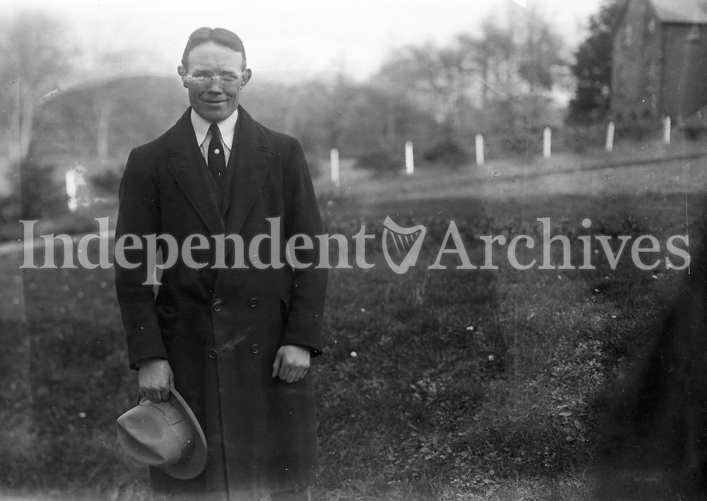 H2425. Name, date and location unknown. (Part of the Independent Ireland Newspapers/NLI Collection)