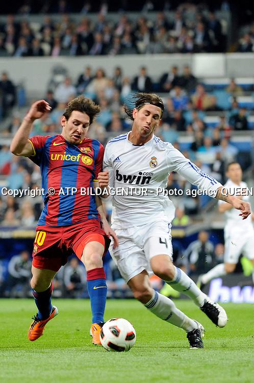 -MADRID 16/04/2011<br />ESTADIO SANTIAGO BERNABEU.<br />REAL MADRID 1 - BARCELONA 1<br />En la foto: MESSI, SERGIO RAMOS.<br />Real MADRID vs FcBARCELONA - SPAIN 1:1 -<br />- Fussball - Fu&sect;ball - Soccer - 16.04.2011 - <br />fee liable image: copyright &copy;? ATP Queen