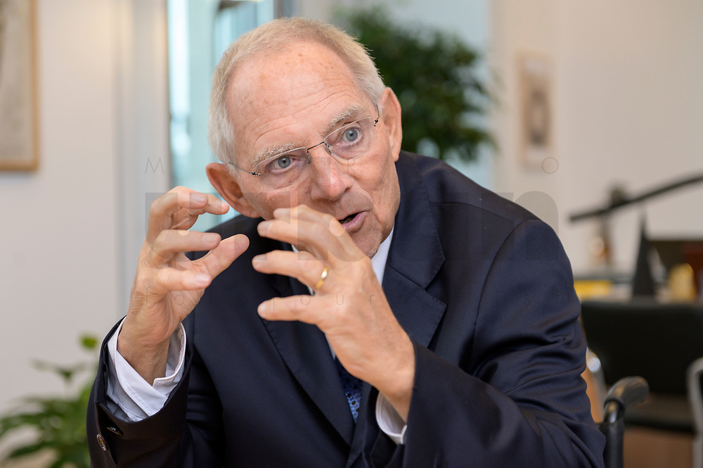 06 NOV 2019, BERLIN/GERMANY:<br /> Wolfgang Schaeuble, CDU, Bundestagspraesident, waehrend einem Interview, in seinem Buero, Reichstagsgebaeude, Deutscher Bundestag<br /> IMAGE: 20191106-02-026<br /> KEYWORDS: Wolfgang Schäuble