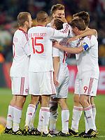 Fotball<br /> VM 2010<br /> Danmark v Kamerun<br /> 19.06.2010<br /> Foto: Witters/Digitalsport<br /> NORWAY ONLY<br /> <br /> Jubel 1:2 Torschuetze Dennis Rommedahl (Daenemark) <br /> Fussball WM 2010 in Suedafrika, Vorrunde, Kamerun - Daenemark