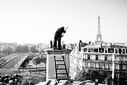 Les hommes des toits (the men on the roofs), Paris