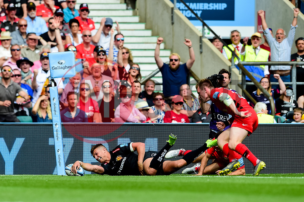Henry Slade of Exeter Chiefs scores his sides fourth try of the game  - Mandatory by-line: Ryan Hiscott/JMP - 01/06/2019 - RUGBY - Twickenham Stadium - London, England - Exeter Chiefs v Saracens - Gallagher Premiership Rugby Final