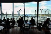 Duitsland, Weeze, 7-10-2004..Luchthaven, vliegveld, airport Niederrhein, dusseldorf, vlak over de grens met Nederland. Een toestel van v-bird staat op het platform Prijsbreker ryanair en v-bird zijn vaste klanten. reizigers, toeristen. iVliegverkeer, last minute, regionaal, regio, charter, vliegmaatschappij..Foto: Flip Franssen
