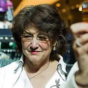 NLD/Amsterdam/20140409 - Presentatie Sam & haas fairtrade juwelenlijn, moeder Birgit en Katja Schuurman