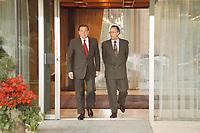 28.04.1999, Deutschland/Bonn:<br /> Gerhard Schröder, SPD, Bundeskanzler, und Hans Eichel, SPD, Bundesfinanzminister, kommen aus dem Kanzler-Bungalow, Bundeskanzleramt<br /> IMAGE: 19990428-01/01-09<br /> KEYWORDS: Gerhard Schroeder