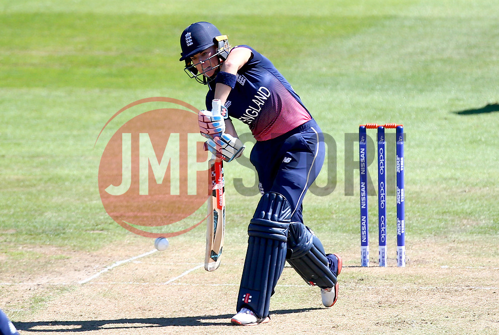 Lauren Winfield of England - Mandatory by-line: Robbie Stephenson/JMP - 05/07/2017 - CRICKET - County Ground - Bristol, United Kingdom - England Women v South Africa Women - ICC Women's World Cup Group Stage
