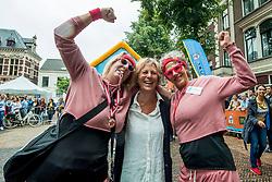 24-06-2017 NED: Start Homeside &amp; Homerun, Utrecht<br /> Vanaf de Domplein startte de HomeRide en Homerun. Een 500km en 200 km event in 24 uur. Renate Westerlaken