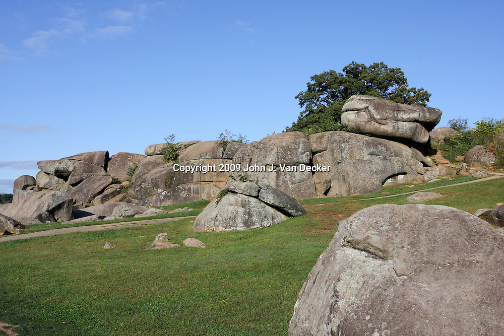 Devil's Den was initially held by Union troops but was taken by the Confederates and usued by sharpshooters to harrass Union soldiers on Little Round Top.. Gettysburg