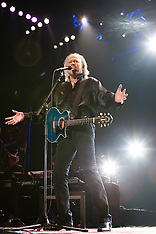 Barry Gibb opens UK tour, Birmingham