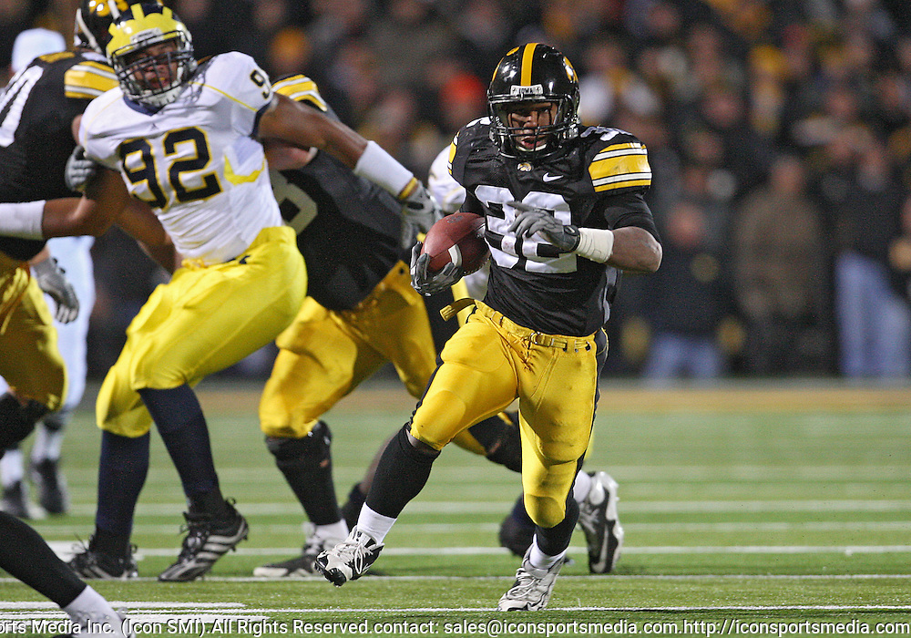 October 10, 2009: Iowa running back Adam Robinson (32) during the second half of the Iowa Hawkeyes' 30-28 win over the Michigan Wolverine's at Kinnick Stadium in Iowa City, Iowa on October 10, 2009.