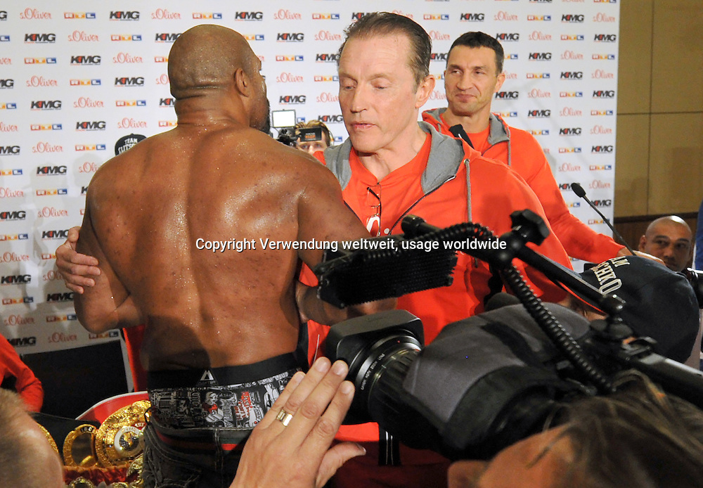 The American heavyweight boxer Shannon Briggs on 22/04/2014 a press conference in Dusseldorf, Germany. The boxer Leapai competes on 04.26.2014 in Oberhausen as a challenger against Klitschko from Ukraine. Photo: Matthias Balk / dpa