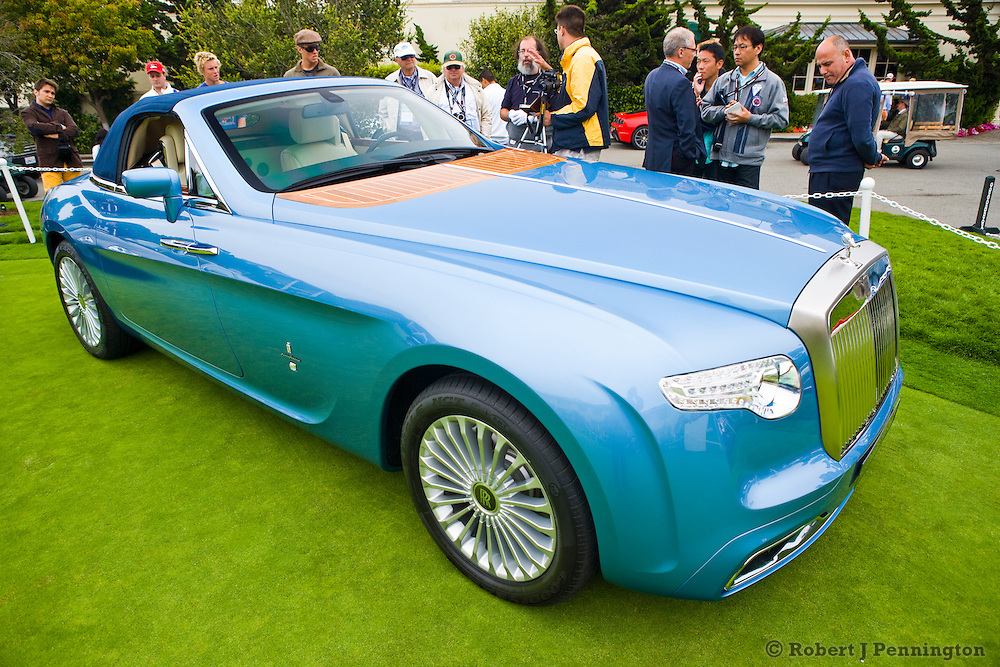 Concept Cars on the Putting Green at Pebble Beach Concours de Elegance 2008. Hyperion Concept Pininfarina Rolls royce Drophead Coupe'.