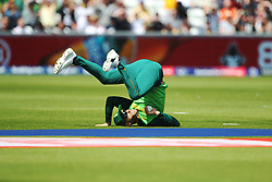June 28, 2019 - Chester Le Street, County Durham, United Kingdom - South Africa's Faf du Plessis catches Sri Lanka's Avishka Fernando off Dwaine Pretorius  during the ICC Cricket World Cup 2019 match between Sri Lanka and South Africa at Emirates Riverside, Chester le Street on Friday 28th June 2019. (Credit Image: © Mi News/NurPhoto via ZUMA Press)