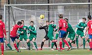 FODBOLD: Cagri Erdem (Slagelse BI) sender et frispark over mål under kampen i Danmarksserien mellem Fredensborg BI og Slagelse BI den 7. april 2018 på Fredensborg Stadion. Foto: Claus Birch
