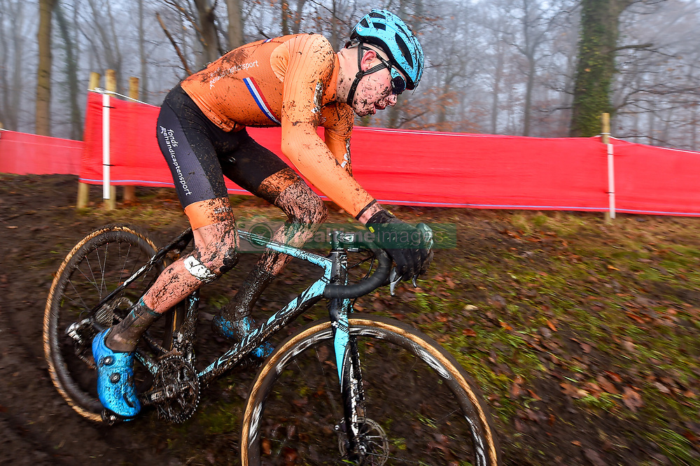 November 25, 2017 - Zeven, GERMANY - Dutch Pim Ronhaar pictured in action during the men junior race of the World Cup cyclocross in Zeven, Germany, the fifth race of the UCI Cyclocross World Cup championship, Saturday 25 November 2017. BELGA PHOTO LUC CLAESSEN (Credit Image: © Luc Claessen/Belga via ZUMA Press)